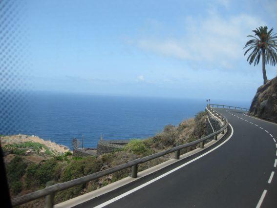Carretera de salida de Agulo
