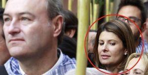 Esther Pastor, tras Alberto Fabra, en una imagen oficial de la Generalitat.
