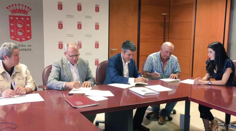 El Cabildo de La Gomera y el Gobierno se unen para impulsar la producción agricola local