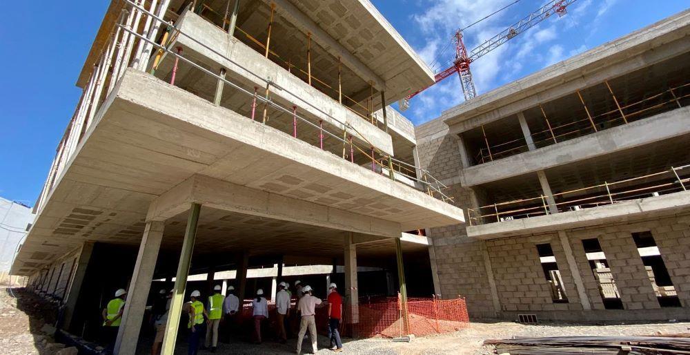 Curbelo adelanta que el nuevo centro sociosanitario estará concluido a finales de 2021