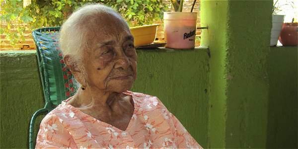 Ciriaca Zapata, fallecida ayer en Valledupar, tenía 116 años. Dejó 11 hijos. 83 nietos, 78 bisnietos, 64 tataranietos y 3 chorlitos.