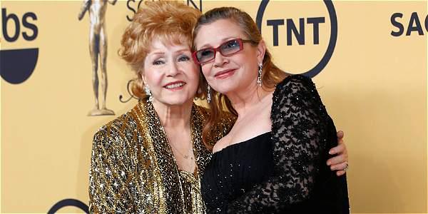 Debbie Reynolds junto a su hija Carrie Fisher.