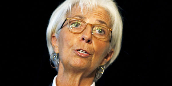 Lagarde nació en París hace 59 años, hizo parte del equipo francés de nado sincronizado y tiene dos hijos. En 2011 se convirtió en la primera mujer en dirigir el FMI.