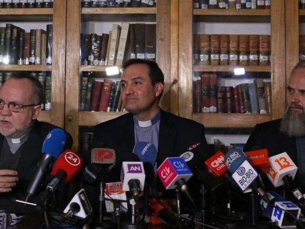 BBC Mundo: Francisco Astaburuaga, Eugenio de la Fuente y Alejandro Vial.