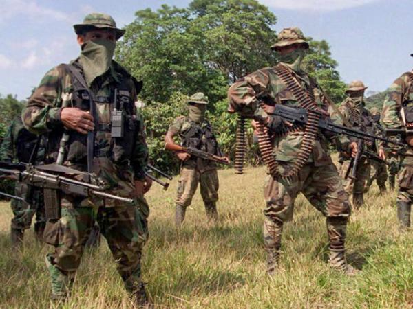 Paramilitares siguieron con asesinatos tras desmovilización