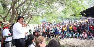 Gobernador del Huila dialogó con 1.500 indígenas en la vía Hobo-Gigante