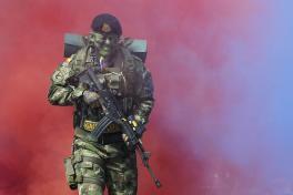 Desfile militar 20 de julio en Medellín
