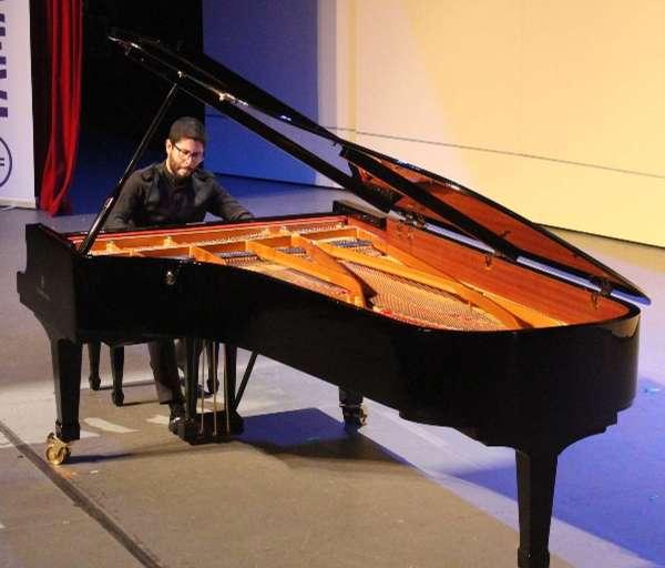 Se inaugura el Concurso de Piano