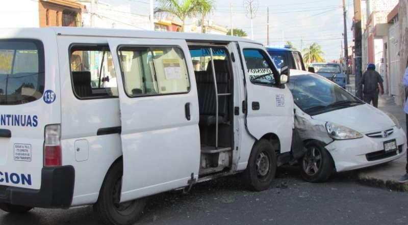 Saldo de 10 heridos por accidente de colectivo