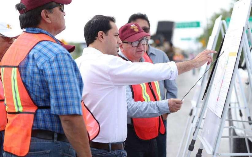 El Gobernador supervisó los trabajos de la carretera Mérida-Progreso