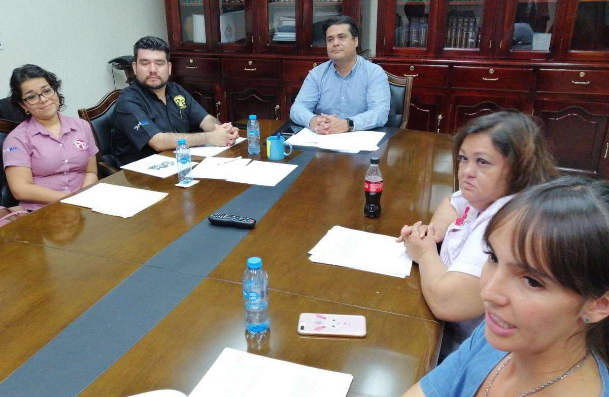 """""""Operación Rescate de Perritos de Kukulkán"""""""