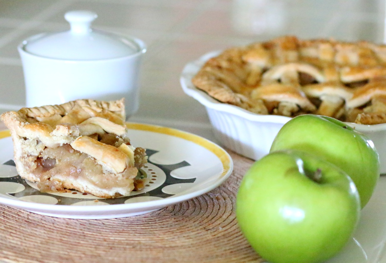 Homemade-Apple-Pie-Recipe.jpg
