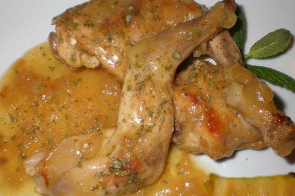 Conejo en salsa, receta casera.