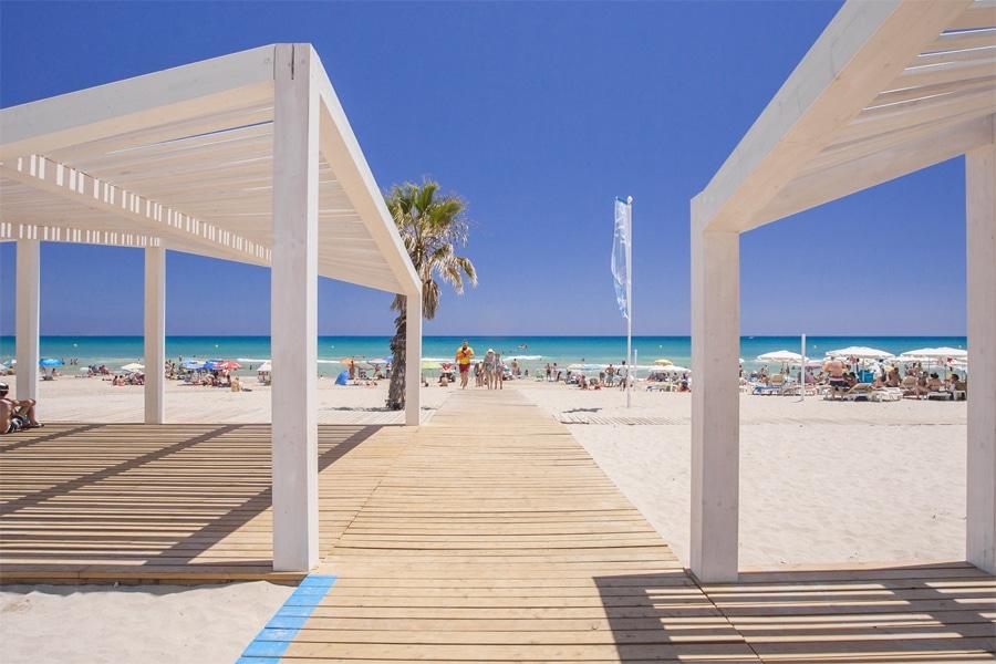 ¿Se podría considerar a Alicante como una zona vacacional?