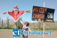 MUY CREATIVA.- Usando Este símbolo del espantapájaros para espantar a los corruptos y mineras de Putaendo, así conquistó a sus votantes esta profesora aconcagüina.