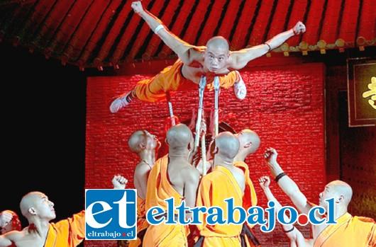 MONJES SHAOLÍN.- Aquí tenemos a los impresionantes monjes Shaolín, quienes nos visitarán en enero próximo. (Referencial)