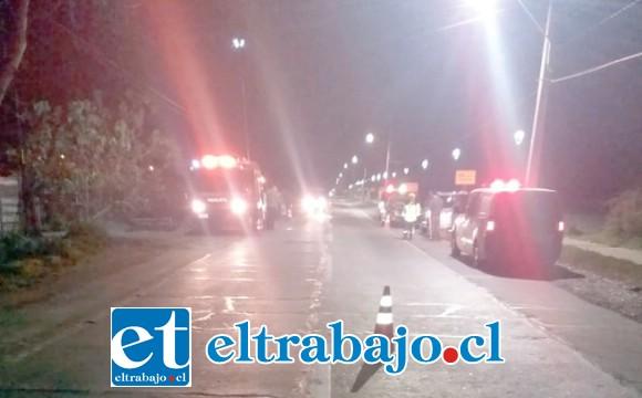 Al lugar concurrieron los organismos de emergencia para asistir a los conductores quienes protagonizaron la violenta colisión.