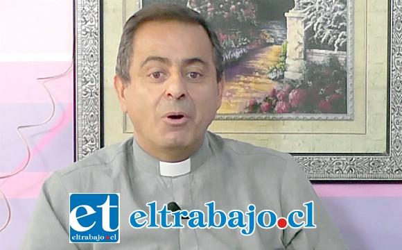 El sacerdote Mauricio Cruz fue absuelto de la acusación que pesaba en su contra.