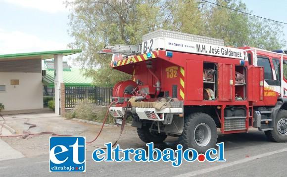 Bomberos concurrió a la emergencia ocurrida al mediodía de ayer lunes en la Posta Rural de Santa Filomena. (Fotografía: Emergencias Santa María).