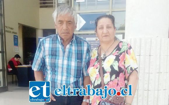 Los padres de Susana Sanhueza a la salida del Tribunal de Garantía de San Felipe.