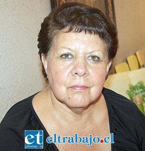 Mónica Salinas, viuda de Pérez.