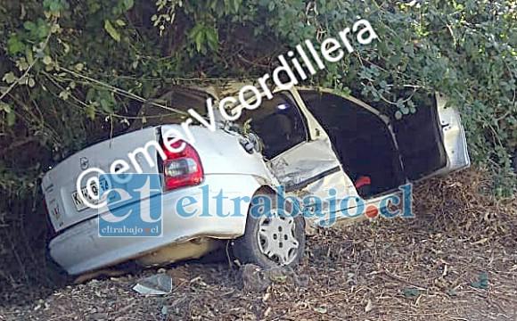 Este fue el automóvil involucrado en el mortal accidente de tránsito registrado hoy alrededor de las 13 horas en la ruta Troncal de Panquehue.