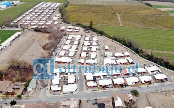 TREMENDO PROYECTO.- Esta vista aérea nos muestra lo amplio de este proyecto habitacional en el centro de Santa María, son 153 familias las que pronto recibirán sus casas.