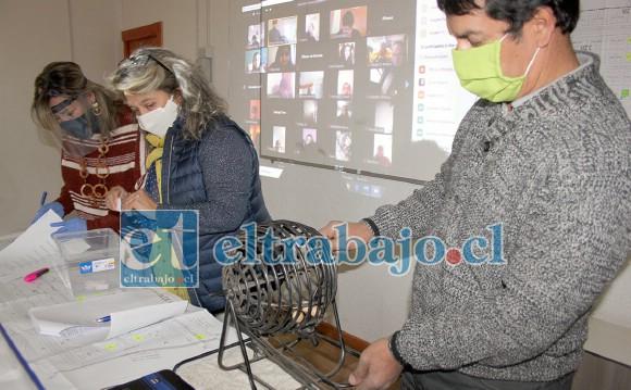 Las cámaras de Diario El Trabajo tomaron registro del Sorteo de las casas, todo se hizo de manera transparente.