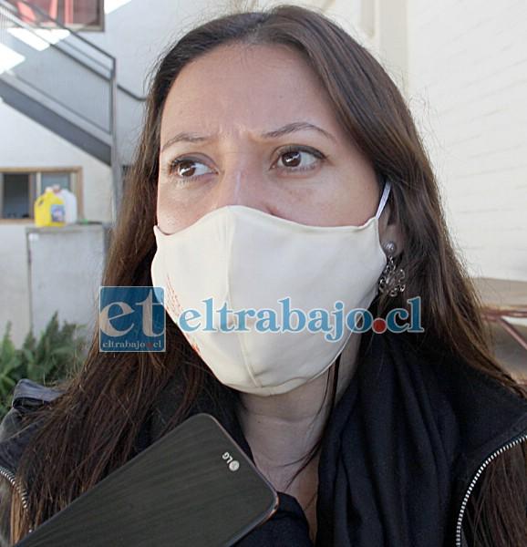 Trabajadora social de Dideco, Alejandra Campos, encargada proceso de evaluación de Subsidio de Aseo Domiciliario.