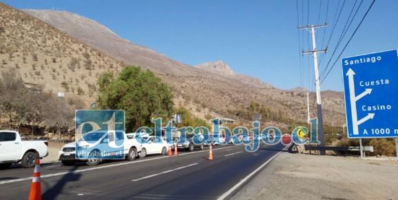 Gran cantidad de vehículos esperando llegar a Los Andes y San Felipe.