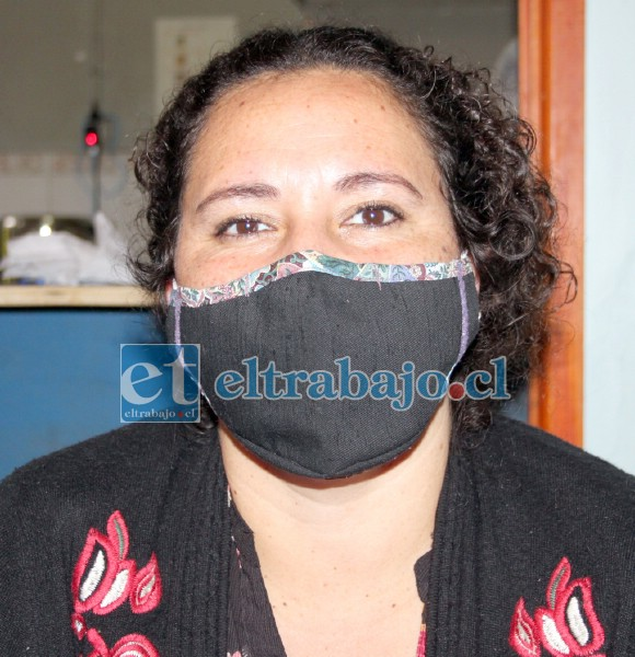 A TRES TURNOS.- El personal municipal que atiende el Albergue posa para las cámaras de Diario El Trabajo.