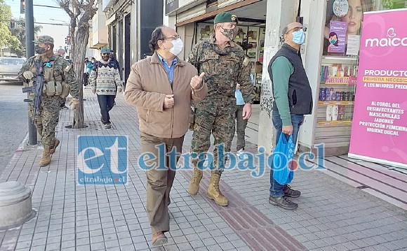 En un recorrido por el centro de la ciudad las autoridades pudieron constatar el notable aumento de personas en las calles, lo que pone en riesgo el retorno a la cuarentena total.