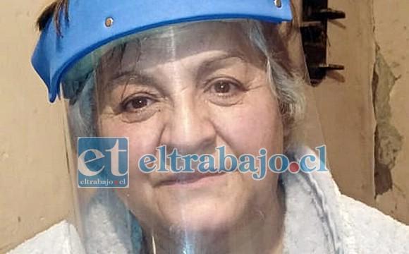 Estela Puentes, vecina que alojó en su casa a los abuelitos afectados.