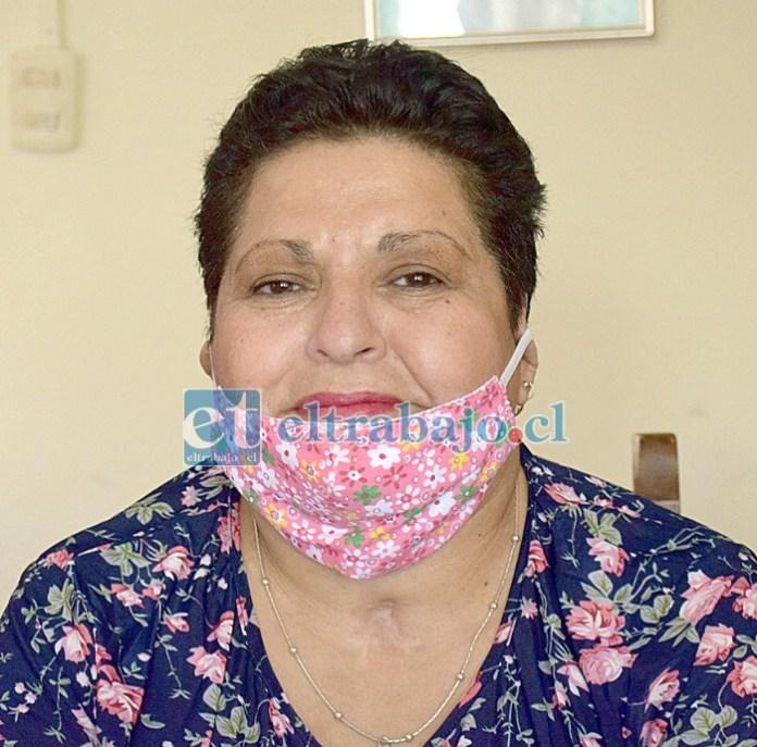 Rossana Gallardo Araya, después de meses entubada en hospitales, logró salir adelante.