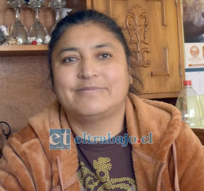 Valeria Segura, sigue necesitando apoyo, pero ya está en casa y ha superado el cáncer.