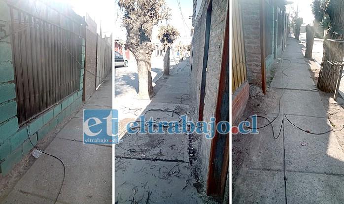 Así lucía la tarde de ayer el vecindario donde ocurrió el accidente, las empresas de cable aún no recogían los cables dañados en calle Gabriela Mistral.