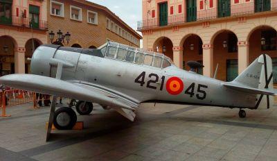 Volar y la historia de una aventura exposición aviones