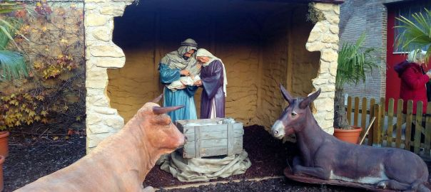 Monzón en Navidad Belén