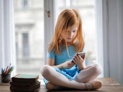 Cómo elegir el primer móvil para nuestro hijo