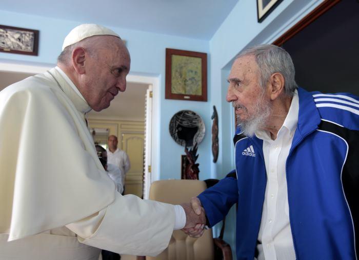 Resultado de imagen para papa francisco es de izquierda