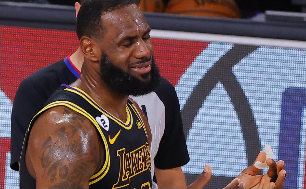 LeBron James lamenta la decisión de continuar con los Playoffs