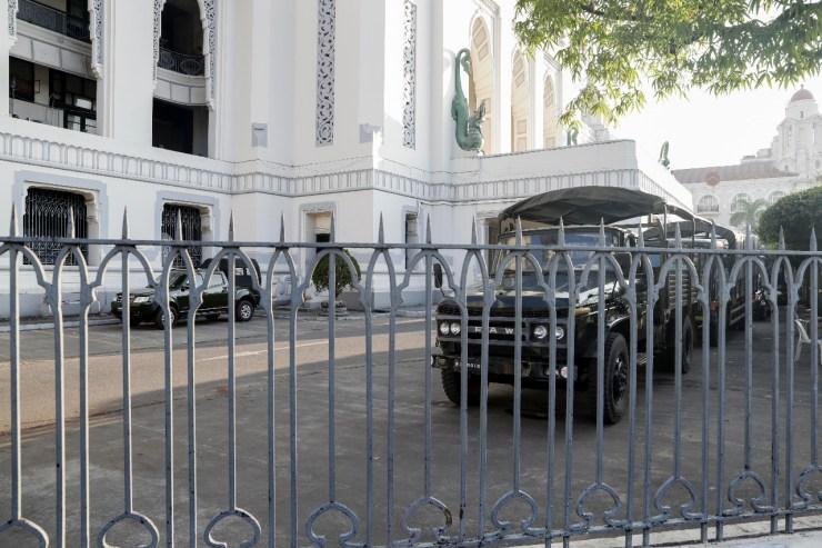 Ejército declara estado de emergencia y toma el control de Birmania