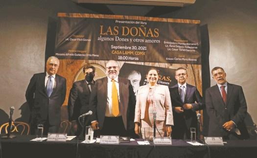Presentan nuevo libro de Carlos Mora Álvarez