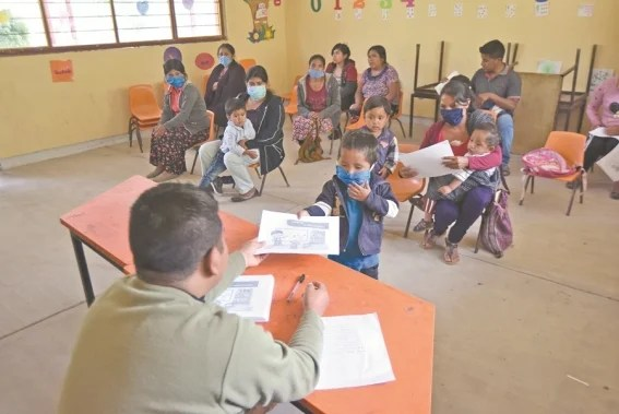 regreso_a_clases_en_comunidades_pobres_117144929.jpg