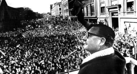 El 11 de septiembre de 1973 un golpe fascista apoyado por el imperio norteamericano derrocó al gobierno de la Unidad Popular en Chile y liquidó esta experiencia de vía democrática al socialismo,