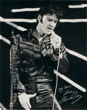Another Mess Of Blues: photo (1) of Elvis making the NBC-TV Special on June 29, 1968.