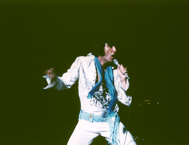 https://i2.wp.com/www.elvisconcerts.com/pictures/s70091212.jpg