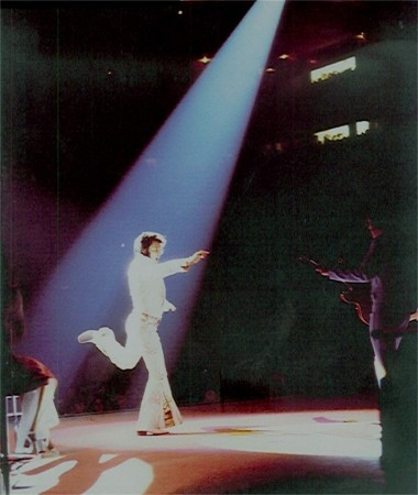https://i2.wp.com/www.elvisconcerts.com/pictures/s72061601.jpg