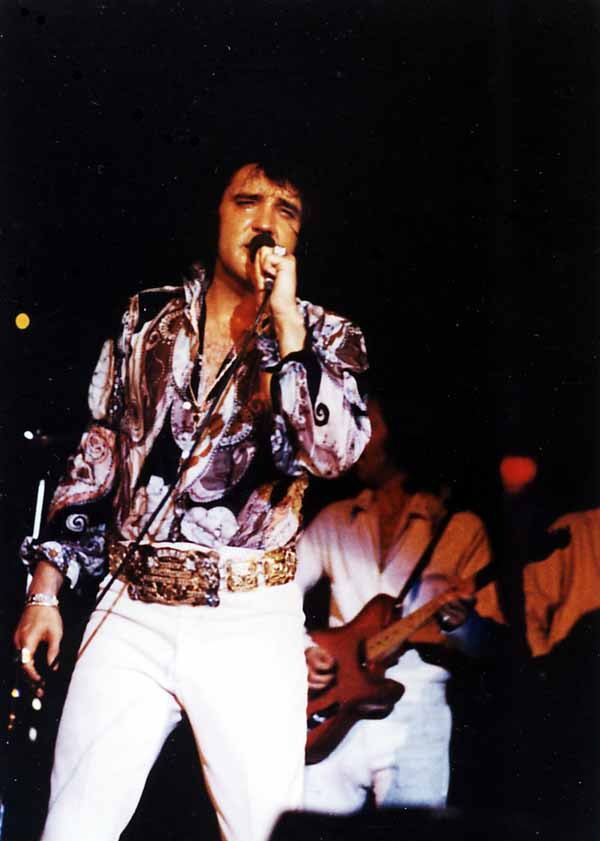 https://i2.wp.com/www.elvisconcerts.com/pictures/s72061901.jpg
