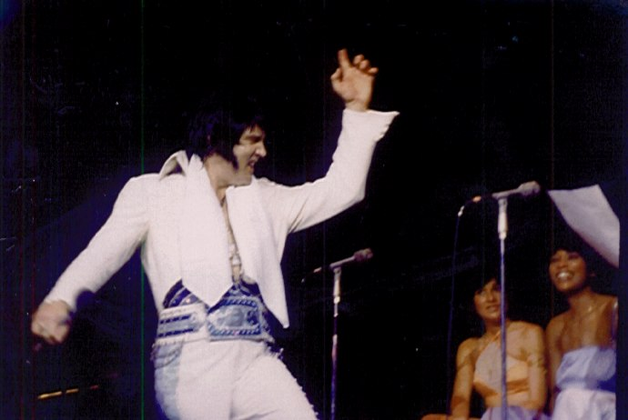 https://i2.wp.com/www.elvisconcerts.com/pictures/s76121003.jpg